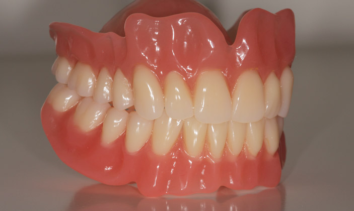 Dentures: Pro's and Con's