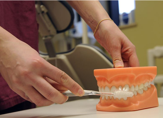 Healthy Oral Hygiene: A Quick Guide To Denture Care